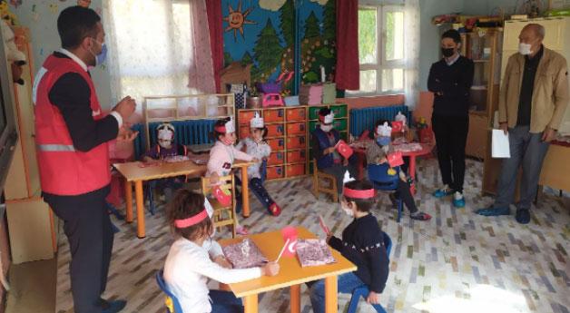 Muradiye'de Kızılay Haftası etkinlikleri