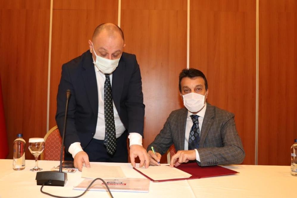 Çatak'a gençlik ve spor yatırımları için protokol imzalandı