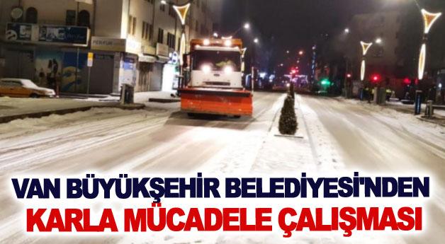 Van Büyükşehir Belediyesi'nden karla mücadele çalışması