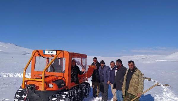 Yaylada donma tehlikesi geçiren 8 kişiyi jandarma ve AFAD kurtardı