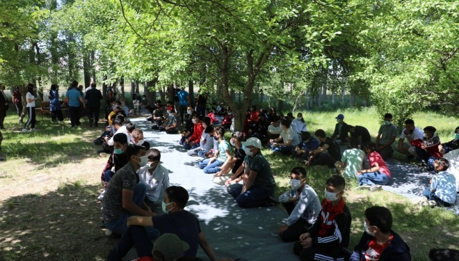 Gürpınar Belediyesi'nden 'Dünya Kahvaltı Günü' etkinliği