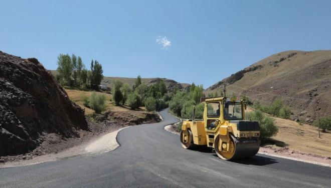 Yeniçavuş mezra yolu cumhuriyet tarihinde beri ilk kez asfaltlanıyor