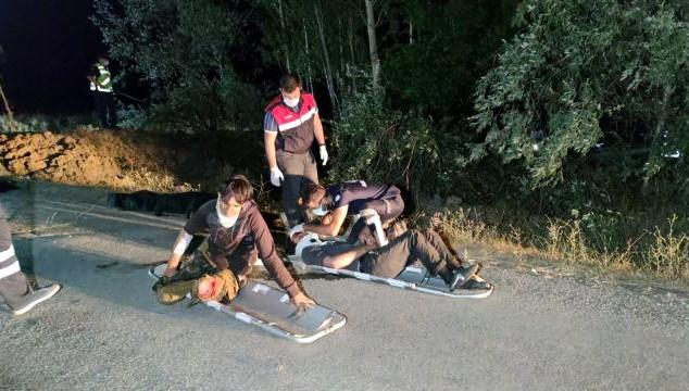 Van'da göçmenleri taşıyan minibüs şarampole devrildi: 12 ölü, 20 yaralı
