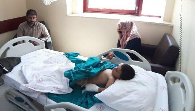 Van'dan Diyarbakır'a götürülen çocuğun parmağı 5 saatte dikildi