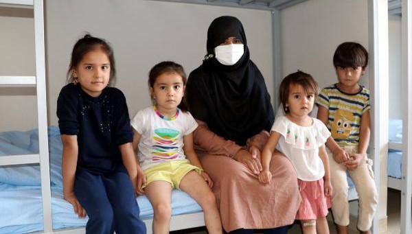 Taliban'dan kaçan Ferzana: Çocuklarımla dağlarda 3 gün aç ve susuz kaldık