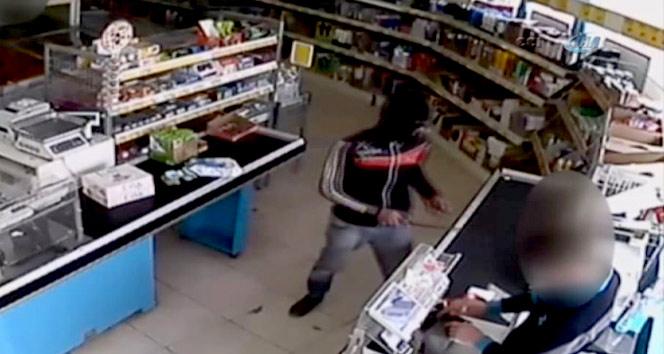 Van'da Markette Satırlı bıçaklı hırsızlık