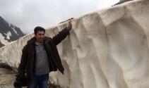 Karapet Geçidi'nde kar erimedi