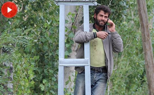 Köyde telefon çekmeyince...