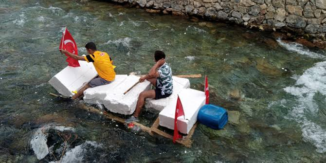 Bahçesaray usulü rafting (VİDEO)