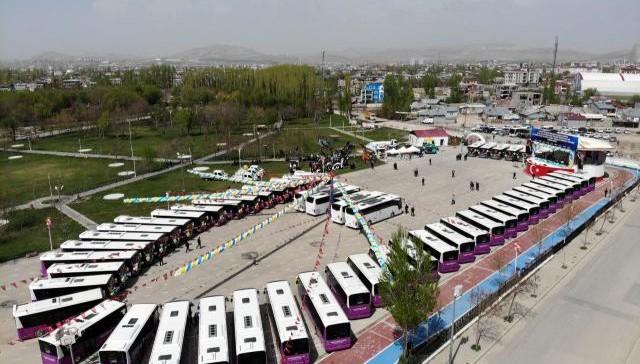 Van Büyükşehir Belediyesinin yeni araçları görücüye çıktı