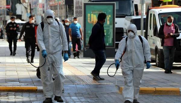 Van'da tam kapanmada toplu yaşam alanları dezenfekte edildi